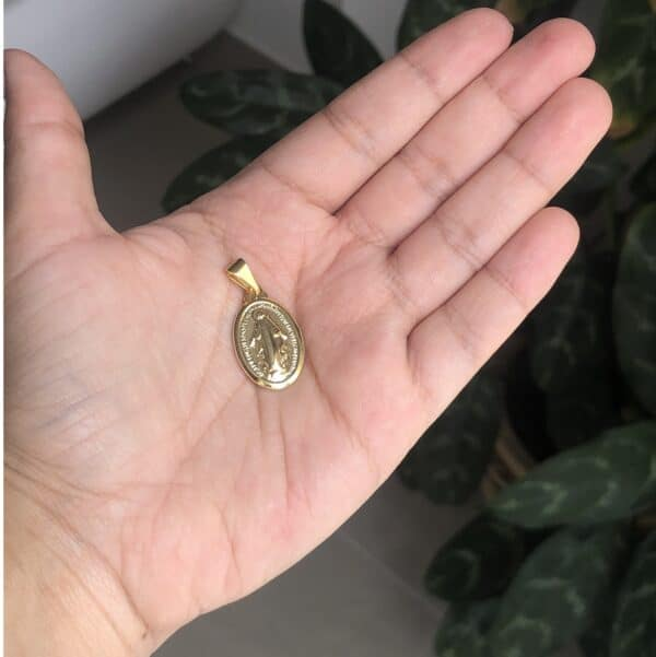 Dije Virgen Milagrosa Med 1.5x2cm_$75