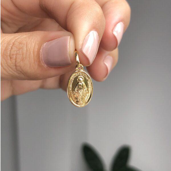 Milagrosa mediana 0.8x1cm_$55