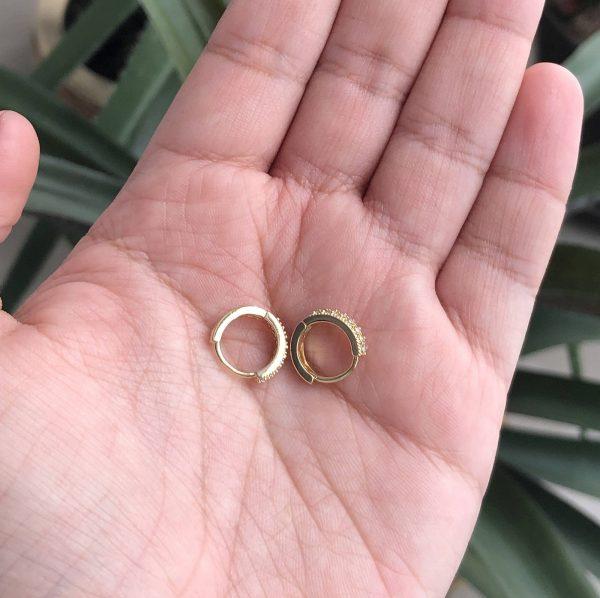 Candonga ovalada circonias 1.2cm_$60